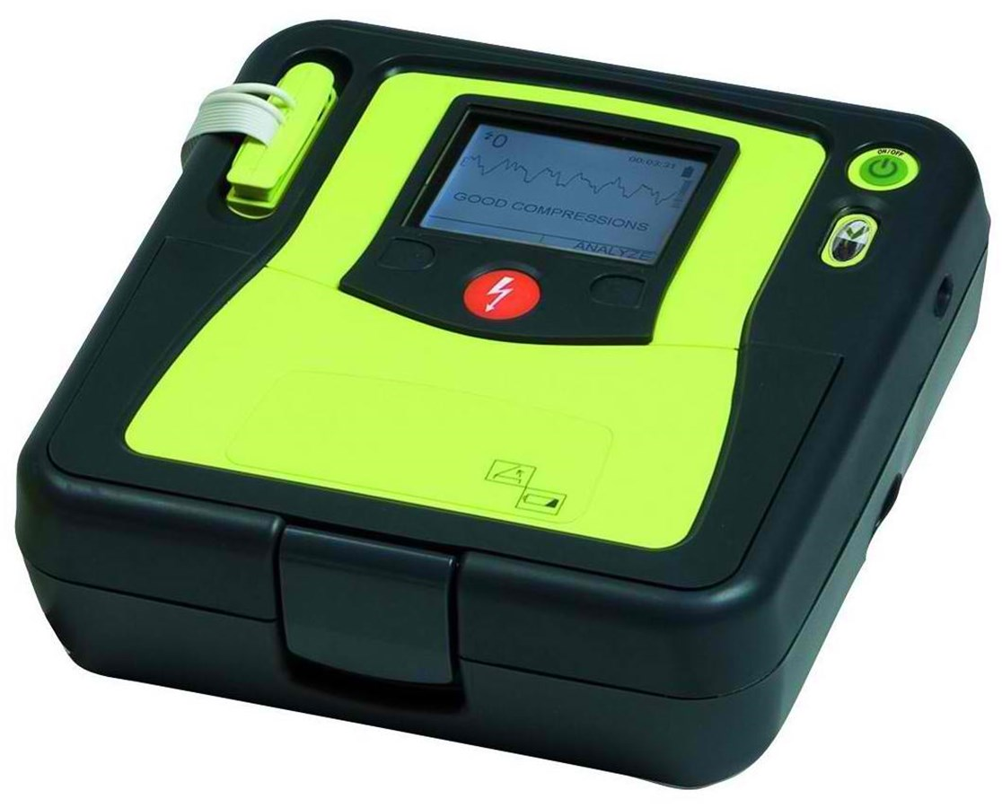 how to use a manual defibrillator